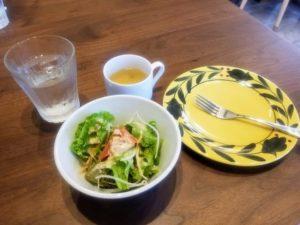 宮之浦『TERRA(テラ)』ランチのサラダとスープ